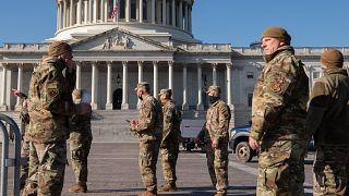 الحرس الوطني الأمريكي أمام مبنى الكابتول في واشنطن