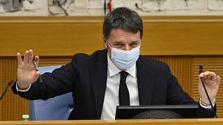 Matteo Renzi in conferenza stampa alla Camera