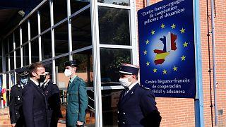 امانوئل ماکرون، رئیس جمهوری فرانسه در مرز فرانسه با اسپانیا