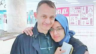 Hüseyin Galip Küçüközyiğit mit seiner Tochter