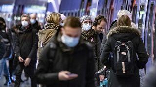 Los hospitales europeos comienzan a sentir un crítico aumento de ingresos de los pacientes por COVID-19