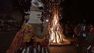 В Болгарии встретили Старый Новый год в шкурах и с барабанами