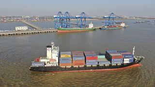Çin, 2020 yılında ticaret fazlasını 535 milyar dolara çıkardı.