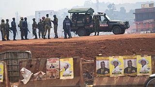 Popstar gegen Langzeitherrscher - in Uganda haben die Wahlen begonnen