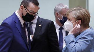 المستشارة الأملنية أنغيلا ميركل ورئيس الوزراء البولندي، ماتيوز موراويكي، 1 أكتوبر، 2020