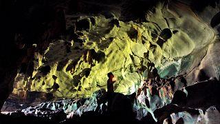 Endonezya'da bir mağara (arşiv)