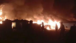 آتشسوزی در یکی از اردوگاههای روهنگیا در بنگلادش هزاران نفر را بیخانمان کرد