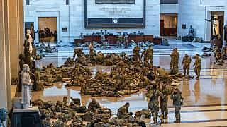 المئات من قوات الحرس الوطني في  مبنى الكابيتول لتعزيز الأمن- واشنطن
