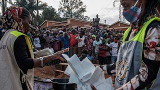 Les Ougandais dans l'attente des résultats de la présidentielle