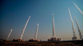 إيران - تطلق صواريخ بالستية خلال تدريبات عسكرية