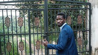L'opposant Bobi Wine en résidence surveillée ?