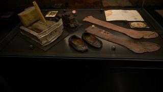 Личные вещи детей репрессированных в Музее ГУЛАГа в Москве
