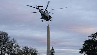 ترامب مغادراً البيت الأبيض على متن المروحية الرئاسية (أرشيف)