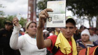 Honduras-Guetamala sınırındaki göçmenler