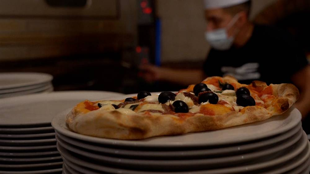 'This is civil disobedience': Restaurants in Rome defy coronavirus closures