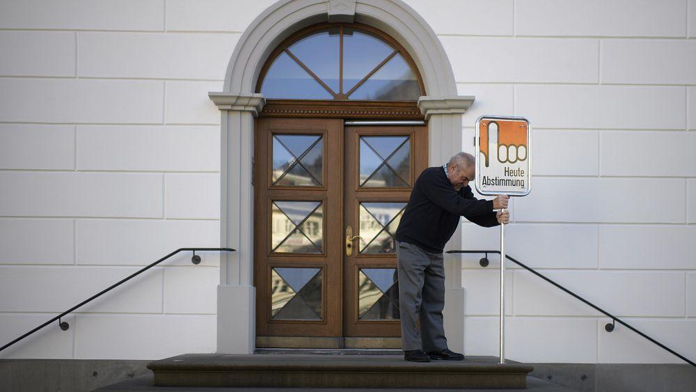 İsviçre'de Covid-19 önlemleri yasası referanduma gidiyor