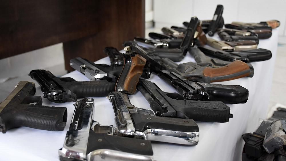 Fransa'da silah ticareti yapan emekli ve muvazzaf askerlerin içinde bulunduğu çete çökertildi