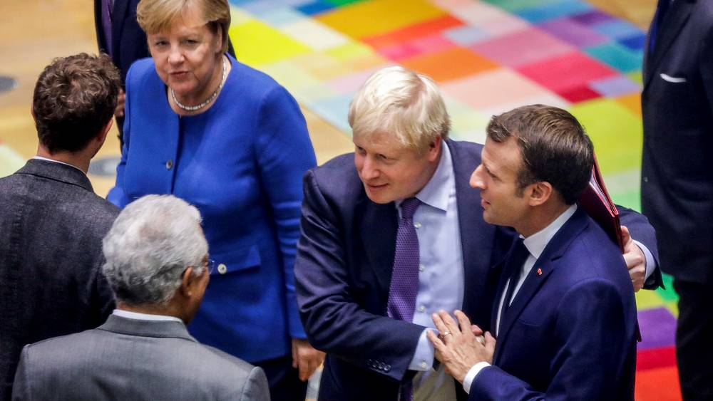 Fransa, Almanya ve İngiltere İran'ın metal uranyum üretme çalışmalarına başlamasından endişeli