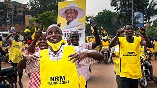 El presidente Museveni gana las elecciones en Uganda y el opositor Wine teme por su vida