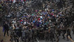Guatemala : répression d'une caravane de migrants venue du Honduras
