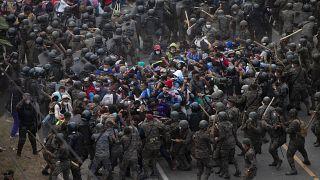 Guatemala minden áron feltartóztatja az Egyesült Államokba igyekvő bevándorlókat