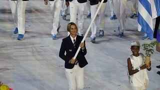 Η Σοφία Μπεκατώρου ως σημαιοφόρος στην Τελετή Έναρξης των Ολυμπιακών του Ριο το 2012