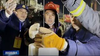 Çin'de mahsur kalan madencileri kurtarma çalışmaları sürüyor