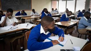 Coronavirus: Rwanda and Malawi shut schools as cases surge