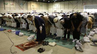 نماز جماعت در روز عید فطر در پاریس
