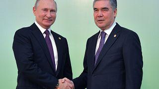 Президенты РФ и Туркменистана Владимир Путин и Гурбангулы Бердымухамедов