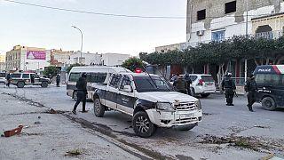 Tunisie : 600 arrestations, l'armée en renfort après des émeutes