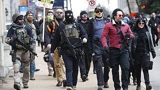 Fegyveres tüntetők Richmondban