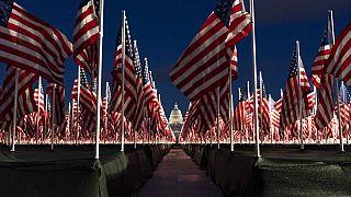 Zászlóerdő a Capitolium előtt