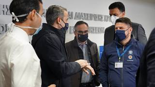 Ο Έλληνας πρωθυπουργός Κυριάκος Μητσοτάκης με τον υφ. Πολιτικής Πορστασίας Νίκο Χαρδαλιά