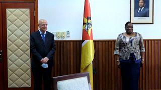 Ministro dos Negócios Estrangeiros de Portugal e a homóloga moçambicana, Verónica Macamo