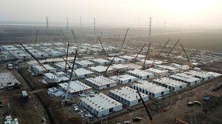 Çin'den Covid-19 önlemi: 4 bin kişilik karantina kampı kuruluyor