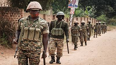 Ouganda : les soutiens de Bobi Wine attendent sa libération