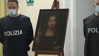 نسخة من لوحة ليوناردو دافنشي سالفاتور موندي