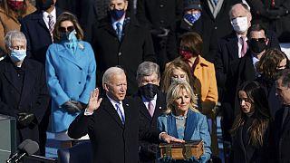 Joe Biden az eskütétel pillanatában