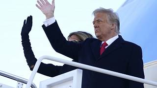 Ehepaar Trump fliegt nach Florida.