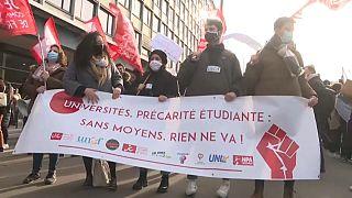 Los estudiantes marchan en la protesta