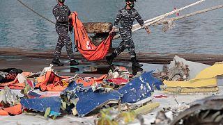 Uçaktaki 62 kişiden kurtulan olmazken arama çalışmalarında toplanan ceset parçalarından 43 kişinin kimliği tespit edildi