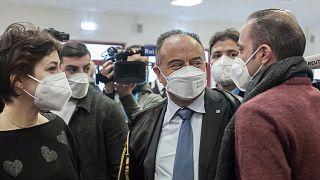 İtalya'nın mafya ile mücadele konusunda uzman Katanzaro Cumhuriyet Başsavcısı Nicola Gratteri (ortada)