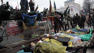2014 februárjában a kijevi Majdan téren meggyilkolt tüntetőkre emlékeztek demonstrálók