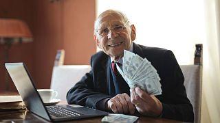 Araştırma | Daha fazla para sürekli artan mutluluk getiriyor