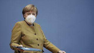 Alemania considera un control fronterizo si sus vecinos no endurecen las restricciones
