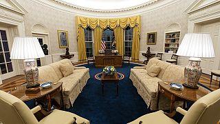 Cambios ligeros en lo estético pero significativos en la decoración del Despacho Oval.