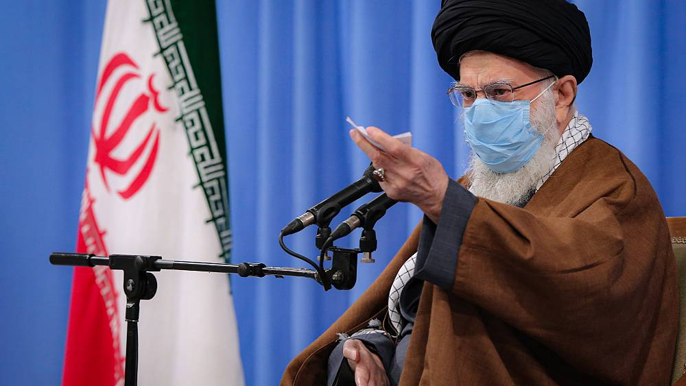 Twitter, İran lideri 'Hamaney ile bağlantılı' şüpheli hesabı intikam çağrısı sonrası kapattı