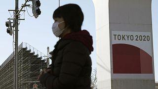 Une femme dans les rues de Tokyo, le 20 janvier 2021