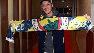 Mesut Özil à son arrivée à Istanbul, le 18 janvier 2021
